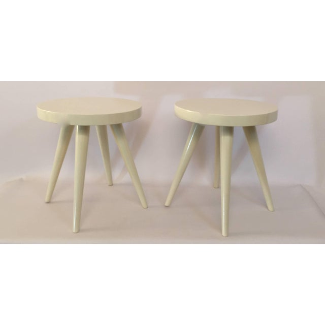 Wood Pair of Modern White Lacquered Stools in the Manner of Charlotte Perriand For Sale - Image 7 of 8