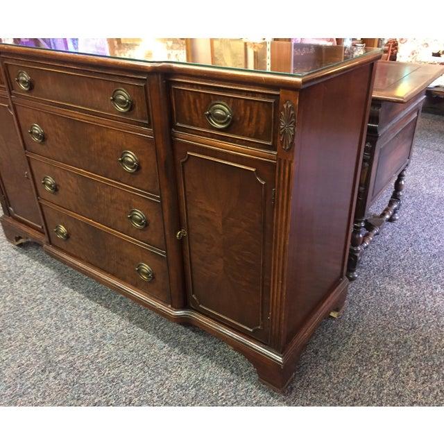 Traditional Vintage Bernhardt Sideboard Buffet For Sale - Image 3 of 10