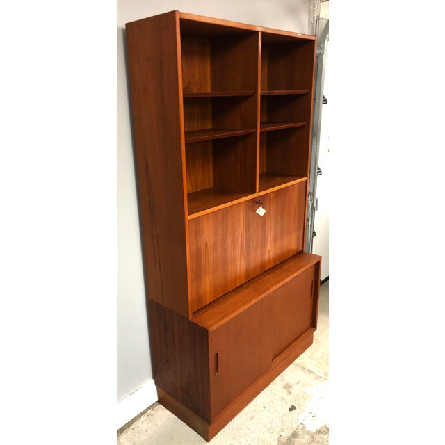 Teak 1970s Danish Modern Hundevad Teak Wall Unit Desk & Bookcase For Sale - Image 7 of 11
