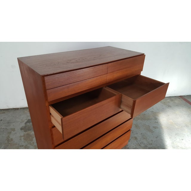 1950s Vintage Arne Wahl Iversen for Vinde Mobelfabrik Teak Dresser For Sale In San Francisco - Image 6 of 12