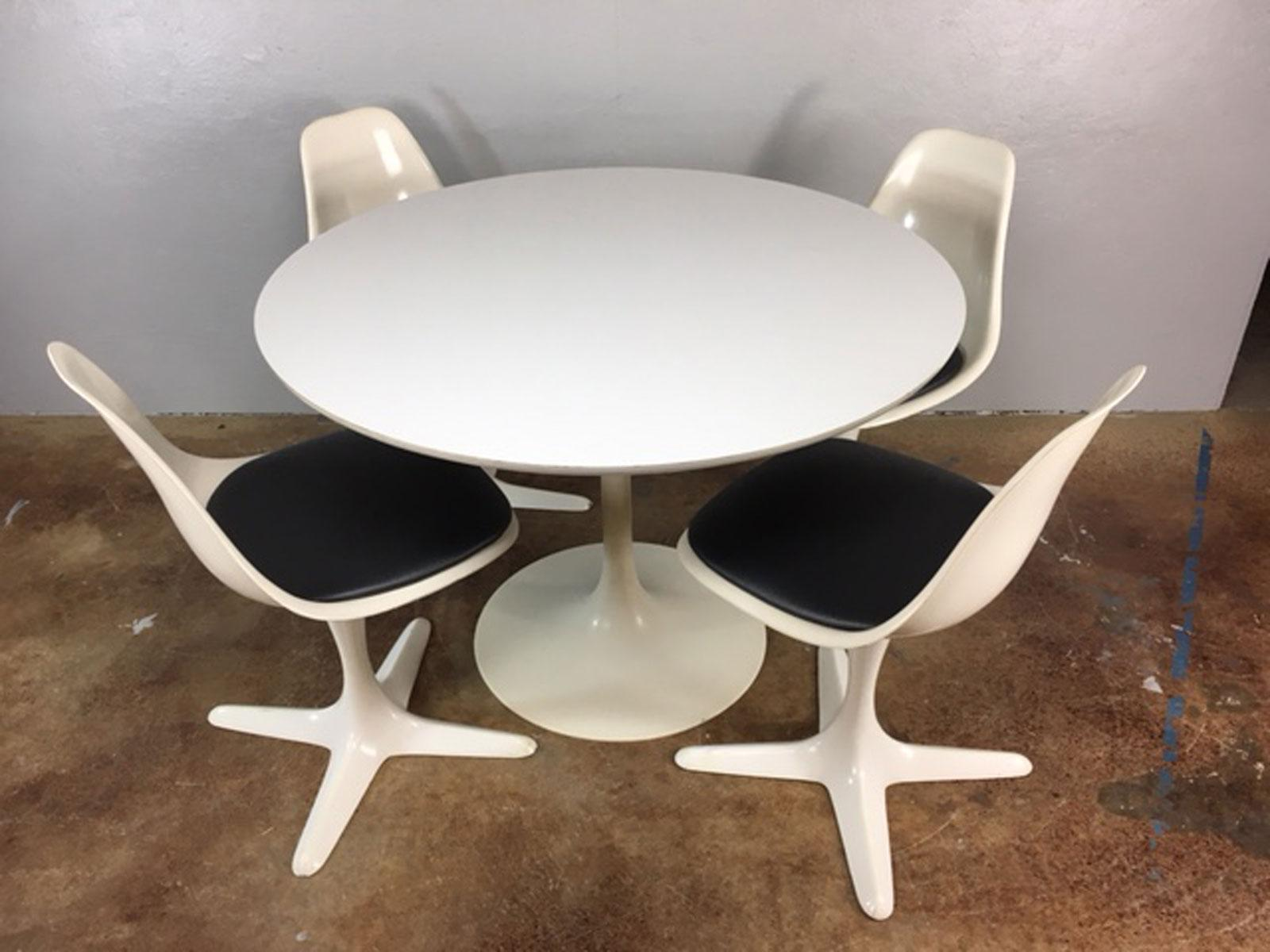 Set Of 4 Saarinen Style Tulip Table And Propeller Base Chairs By Burke    Image 2