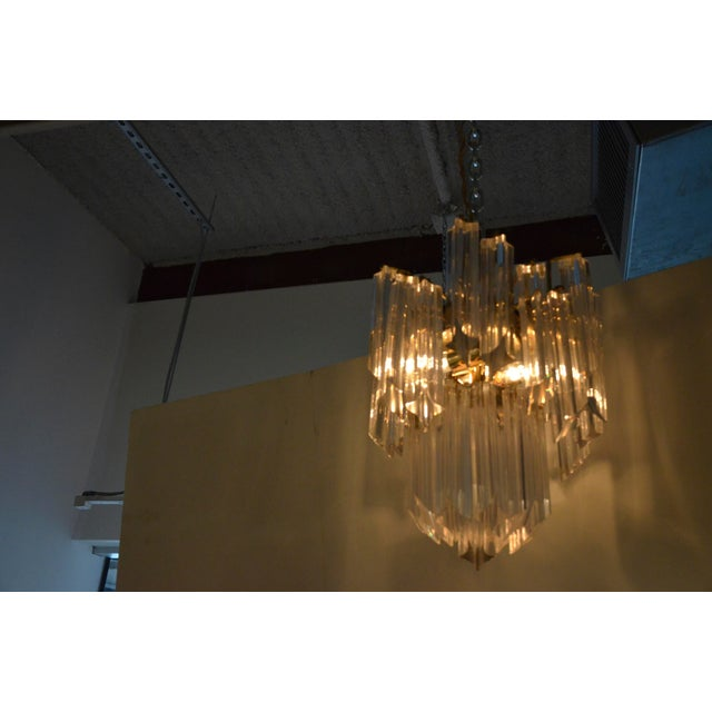 Mid Century Modern Lucite and Brass Waterfall Chandelier - Image 5 of 7
