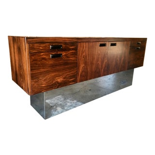 Mid-Century Modern Rosewood and Chrome Plinth Credenza For Sale