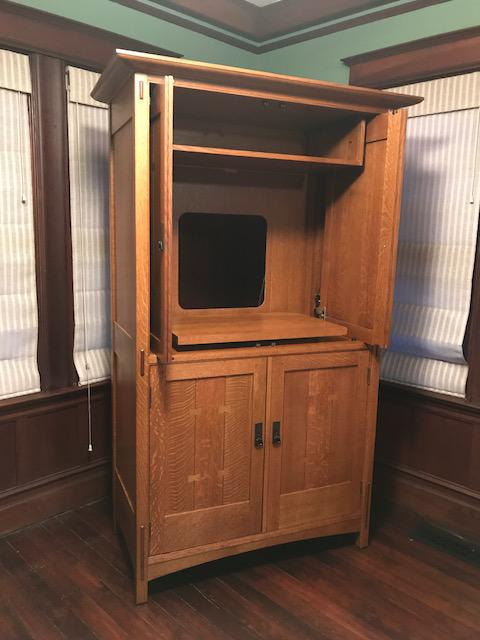 Stickley Mission Style Armoire/ Entertainment Unit   Image 3 Of 9