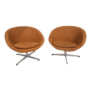 Swedish Modern Swivel Pod Chairs by Overman Ab For Sale