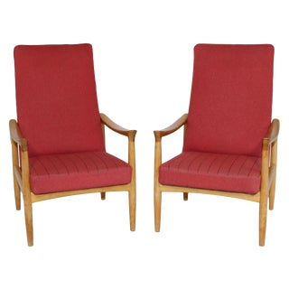 Pair of Danish Modern Lounge Arm Chairs by Fritz Hansen For Sale