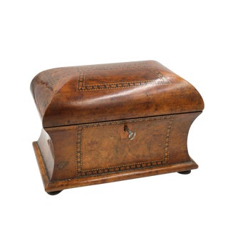 Mid 19th Century Vintage English Fully-Fitted Walnut Tea Caddy For Sale