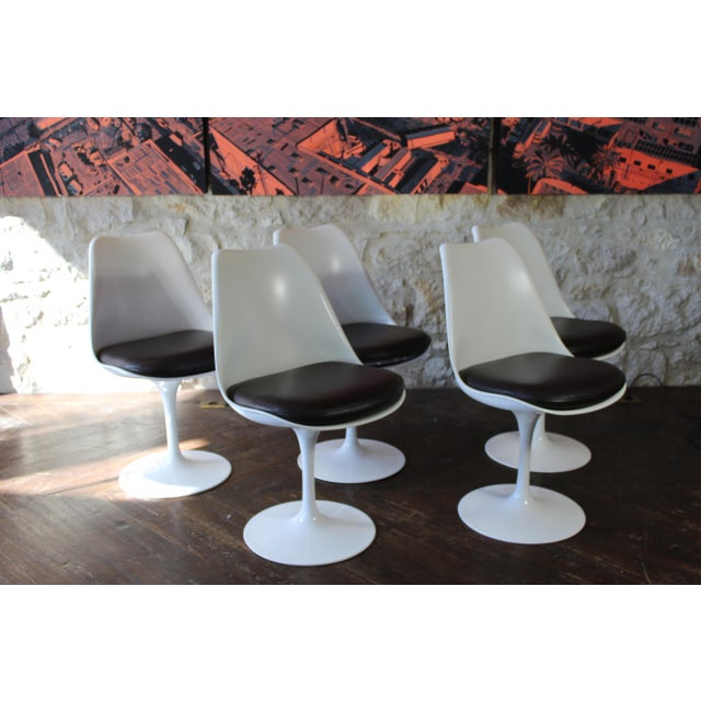Mid-Century Modern Contemporary Eero Saarinen for Knoll Tulip Dining Chairs - Set of 5 For Sale - Image 3 of 7