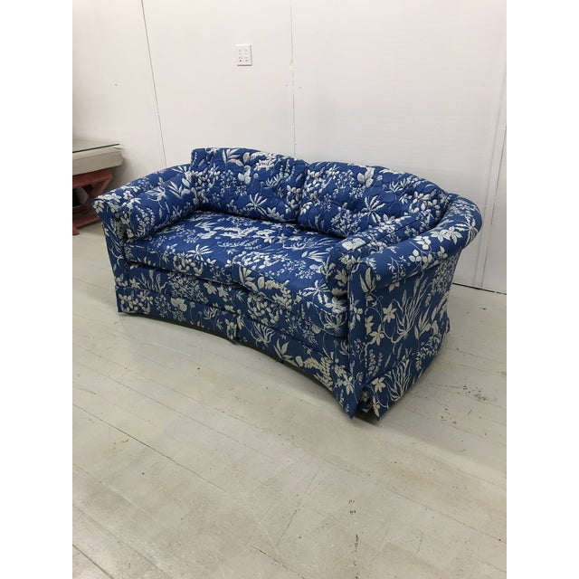 1970s Ethan Allen Hollywood Regency Chinoiserie Blue & White Floral Crescent Loveseat Sofa For Sale - Image 12 of 13