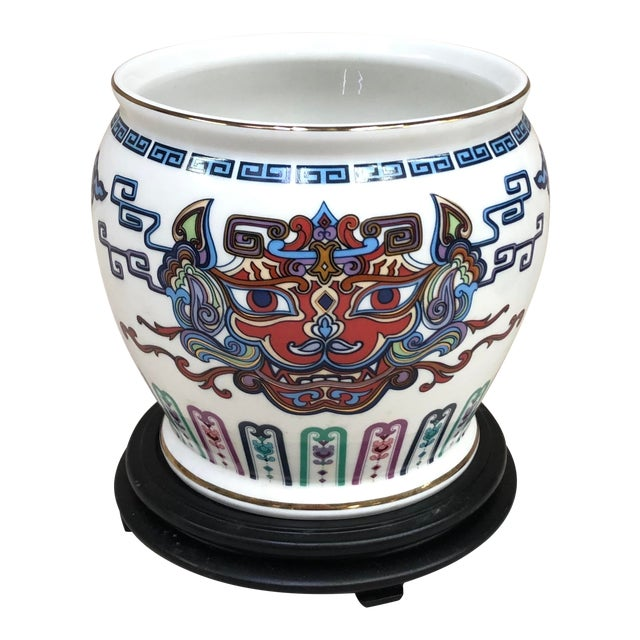 Franklin Mint Oriental Porcelain Jardiniere - Courage of the Terrestrial Tiger For Sale