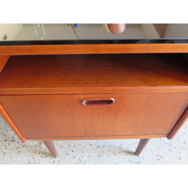 Mid-Century Modern Pair of Night Stands by Borge Mogensen For Sale - Image 3 of 5