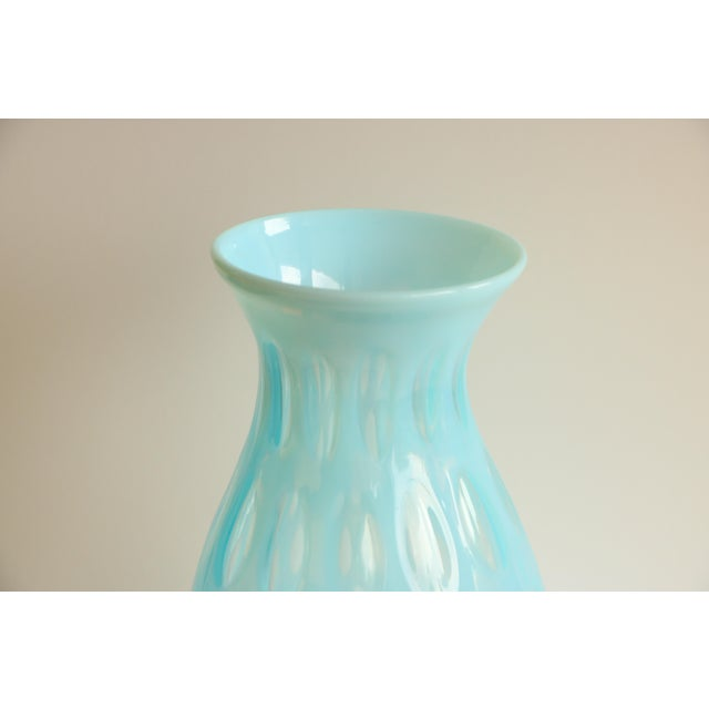 Blue Opalescent Coin Dot Art Glass Vase - Image 4 of 8