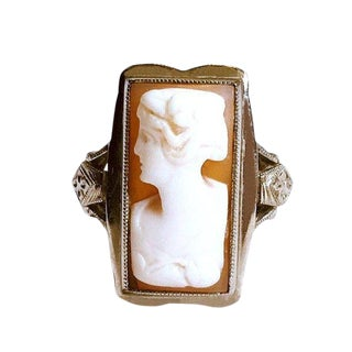 1920s Vintage Deco-Era 10k White Gold Cameo Ring For Sale