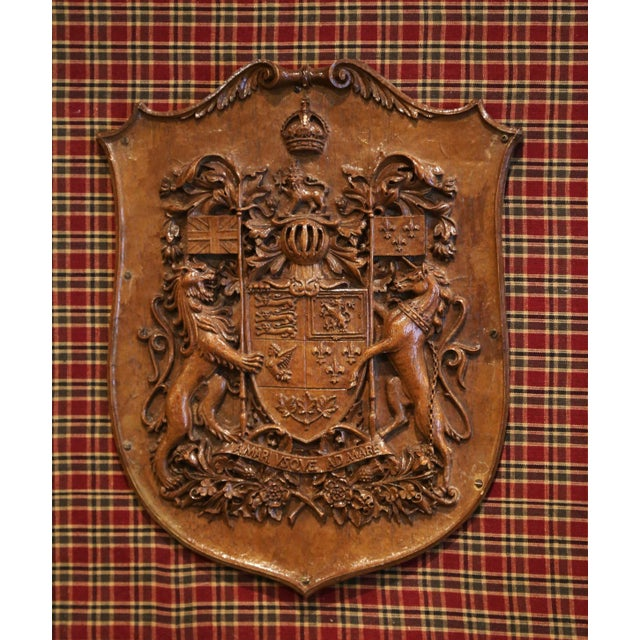 19th Century French Carved Walnut Royal Coat of Arms of Canada in Gilt Frame For Sale - Image 4 of 8