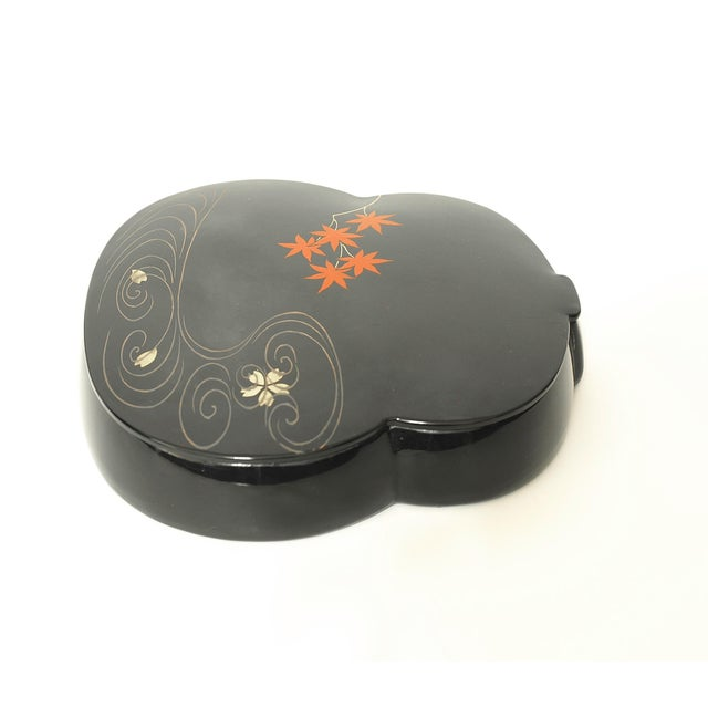 You are considering a rare vintage Japan bakelite accessory container. This little darling is offered in an unusual shape,...