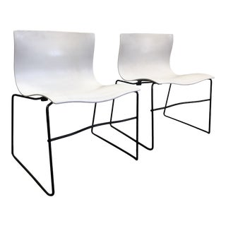 1980s Vintage Massimo Vignelli for Knoll White Fiberglass Handkerchief Chairs - a Pair For Sale