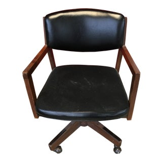 Fine Mid-Century Modern Walnut Executive Desk Chair by Indiana Chair Co. For Sale