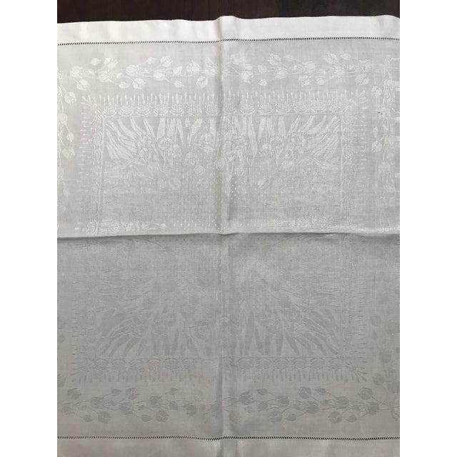 Set of 11 White Linen Damask Dinner Napkins For Sale - Image 4 of 7