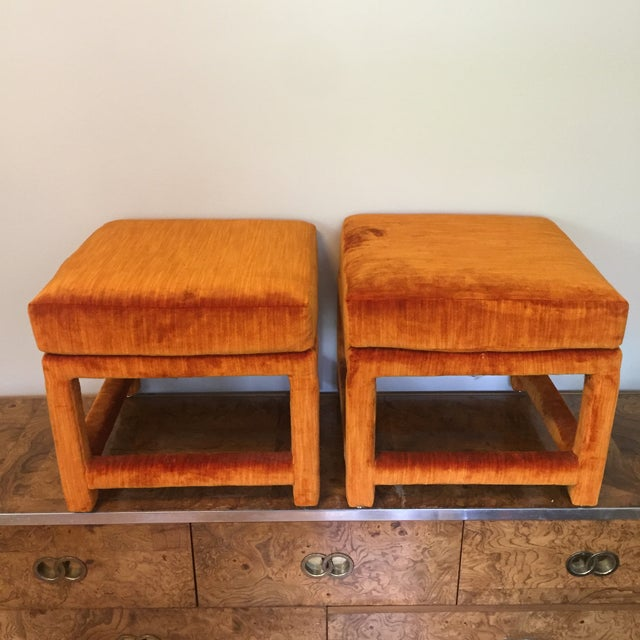 1970s Orange Velvet Console Table With Parsons Style Ottomans, Set of 3 For Sale - Image 4 of 12