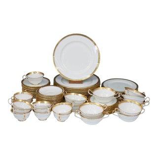 77 Pieces Vintage Aynsley Majestic Pattern #8370 Dinner Set For Sale