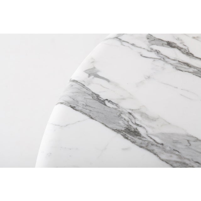 White Midcentury Round Italian Carrara Marble Dining Table For Sale - Image 8 of 13