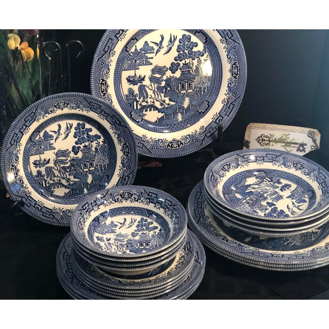 Traditional English Churchill Blue Willow Dinner, Bread, Salad Plates, Soup, Cereal Bowls - 20 Pieces For Sale - Image 9 of 13