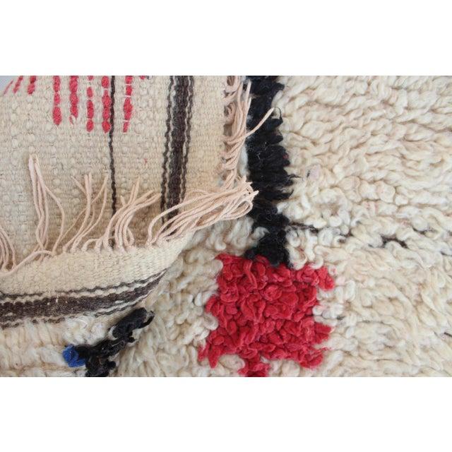 "Vintage Azilal Moroccan Berber Rug - 4'2"" x 7'10"" - Image 5 of 5"