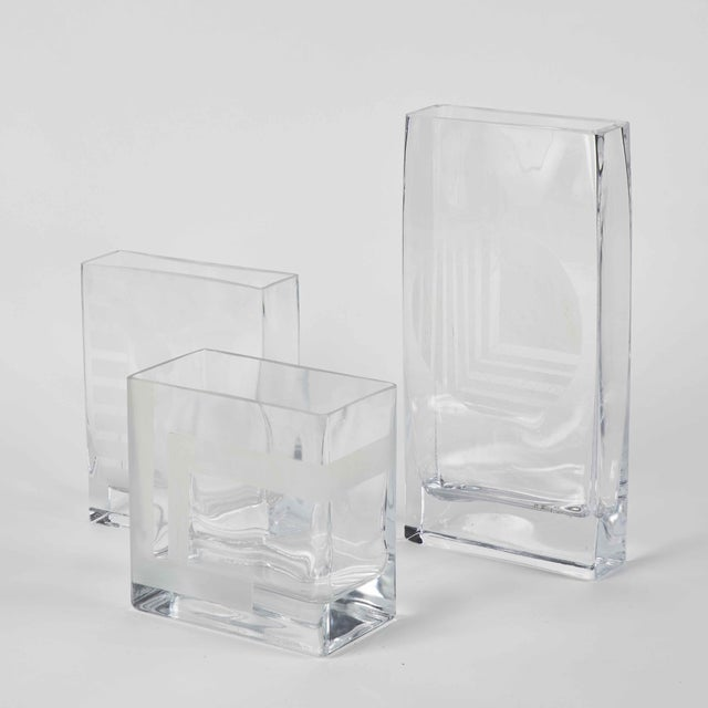 Mid Century Glass Vases with Etched Design in Graduated Sizes - Set of 3 For Sale In Los Angeles - Image 6 of 7