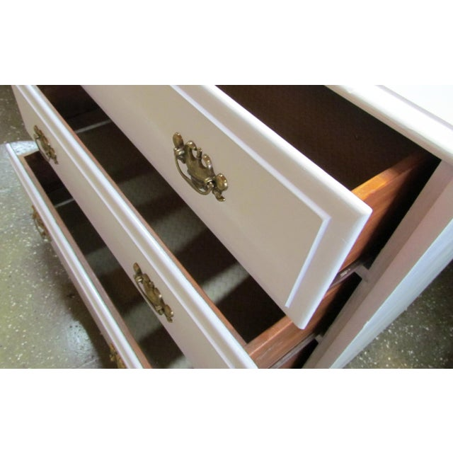 Painted White and Brass 6-Drawer Dresser - Image 4 of 6