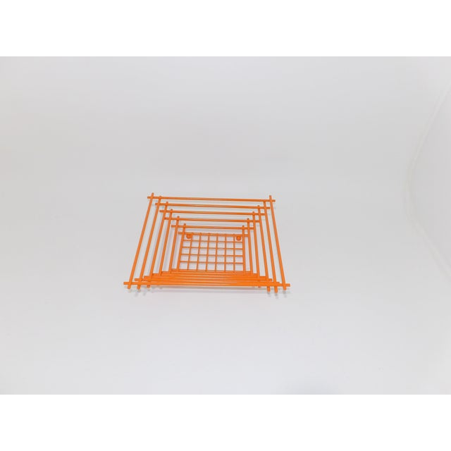 Mid-Century Modern Geometric Orange Metal Wire Fruit Dish For Sale - Image 4 of 8