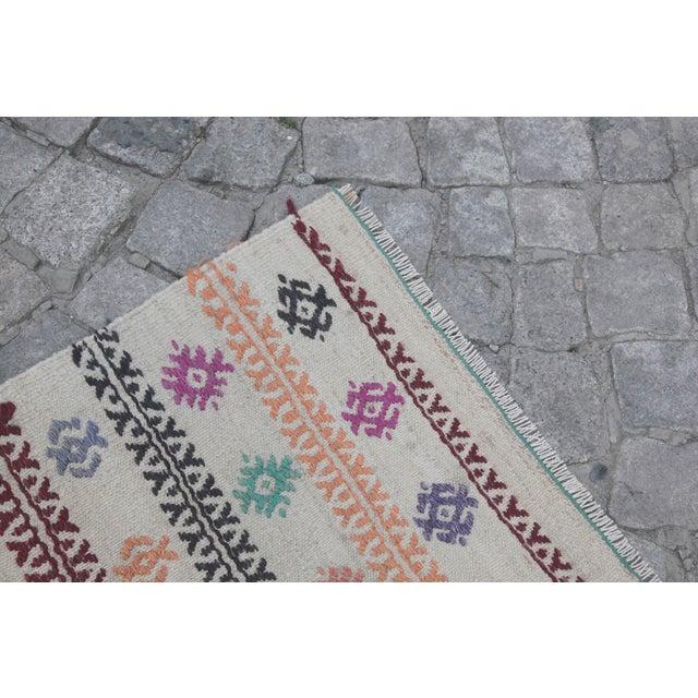 Textile Vintage Tradition Turkish Kilim Rug - 2′ × 3′6″ For Sale - Image 7 of 10