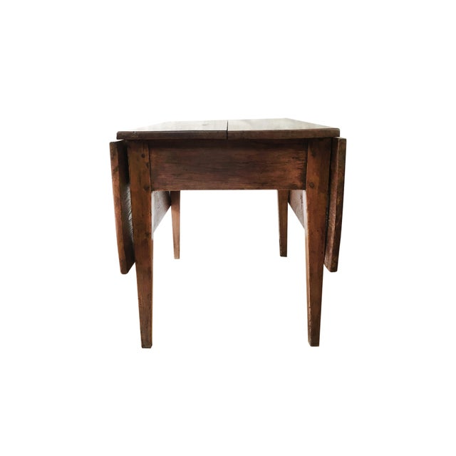 Antique Hepplewhite Farmhouse Drop Leaf Table, Circa 1790-1820 For Sale In Boston - Image 6 of 11