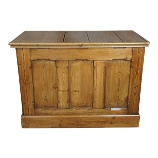 Early 20th Century Antique English Yellow Pine Storage Trunk For Sale