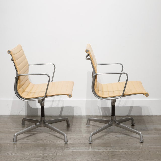 Mid-Century Modern Mid-Century Herman Miller Ea108 Leather Office Management Chairs C.1960-1970 For Sale - Image 3 of 7