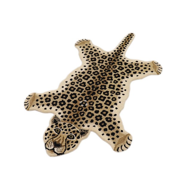Decorate Wild Animal Design hand Tufted area Rug. Hooked of 100% Wool Pile. This contemporary Faux-Leopard Series makes...