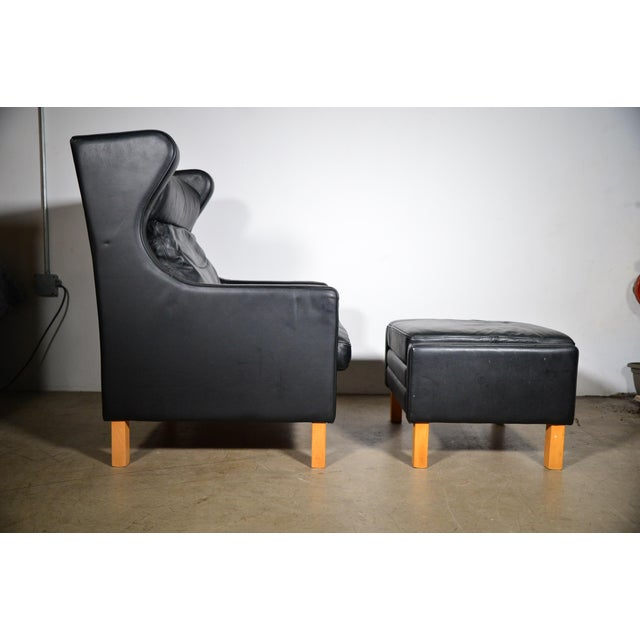 Mid-Century Modern 1960s Vintage Danish Borge Mogensen Style Black Leather Chair and Ottoman For Sale - Image 3 of 8