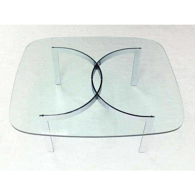 Very nice mid century modern glass top chrome base coffee table.