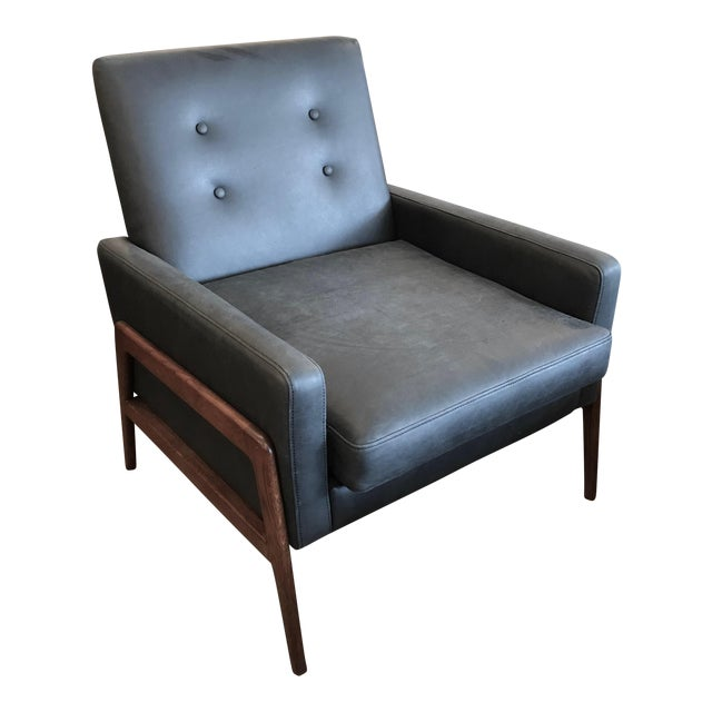 Mid-Century Modern Black Leather and Walnut Arm Chair For Sale