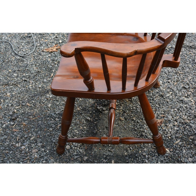 Early American 1960s Vintage Pennsylvania House High Back Windsor Chair For Sale - Image 3 of 6