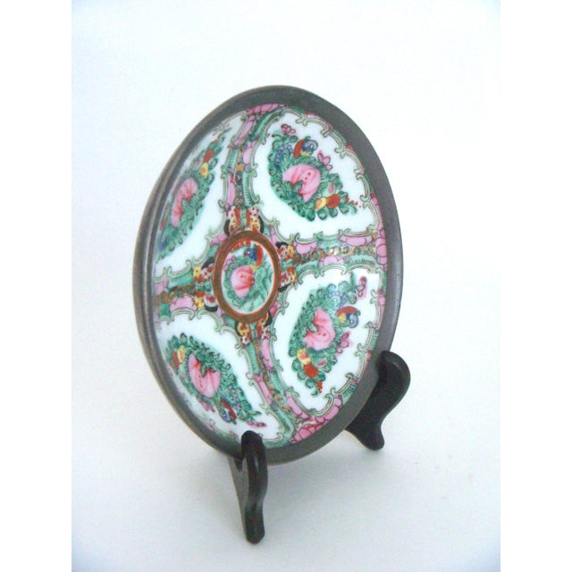 Maas Brothers Chinese Rose Canton Plate & Stand For Sale - Image 4 of 8