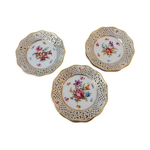 Traditional Antique Set of Dresden Plates - 8 For Sale - Image 3 of 7