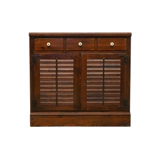 Ethan Allen Old Tavern Antiqued Pine Crp Shutter Door Dry Bar/Liquor Cabinet For Sale