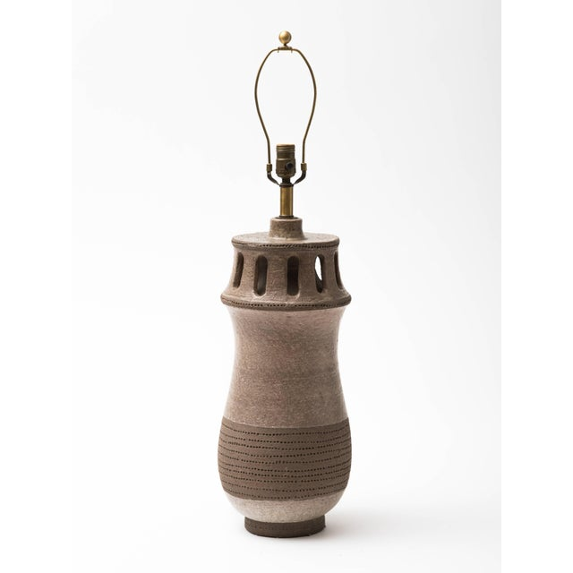 Monumental Italian Stoneware Sculpture Lamp, 1950s For Sale In New York - Image 6 of 8