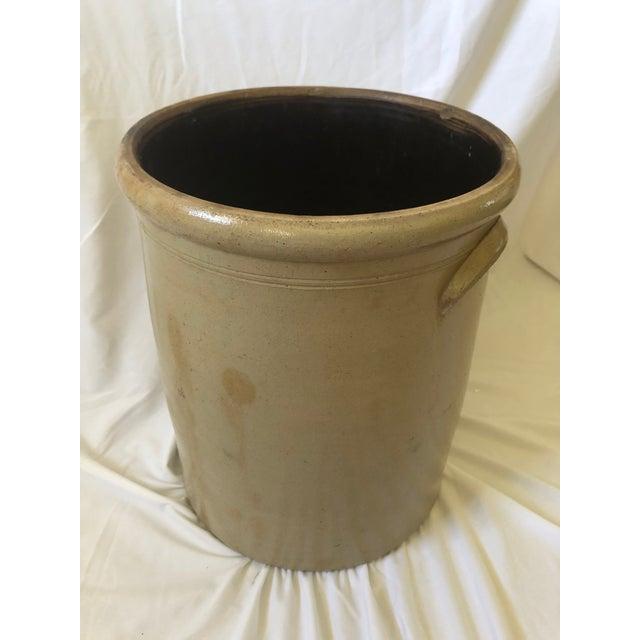Mid-1800's Salt Glazed Stoneware Crock With Elephant Ear Handles For Sale In Denver - Image 6 of 10