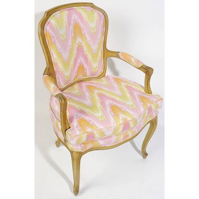 Pair of 1940s Louis XV Style Fauteuils in Colorful New Flamestitch Upholstery For Sale - Image 4 of 8