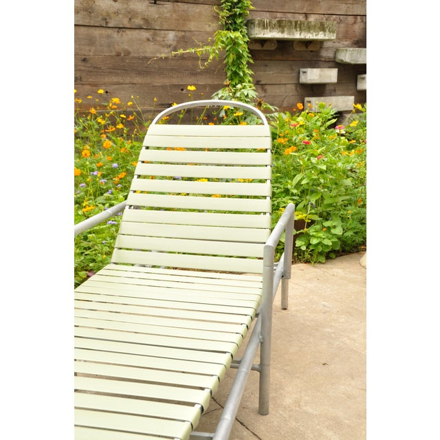 Green Outdoor Chaise Longue, 1960s Usa For Sale - Image 8 of 10