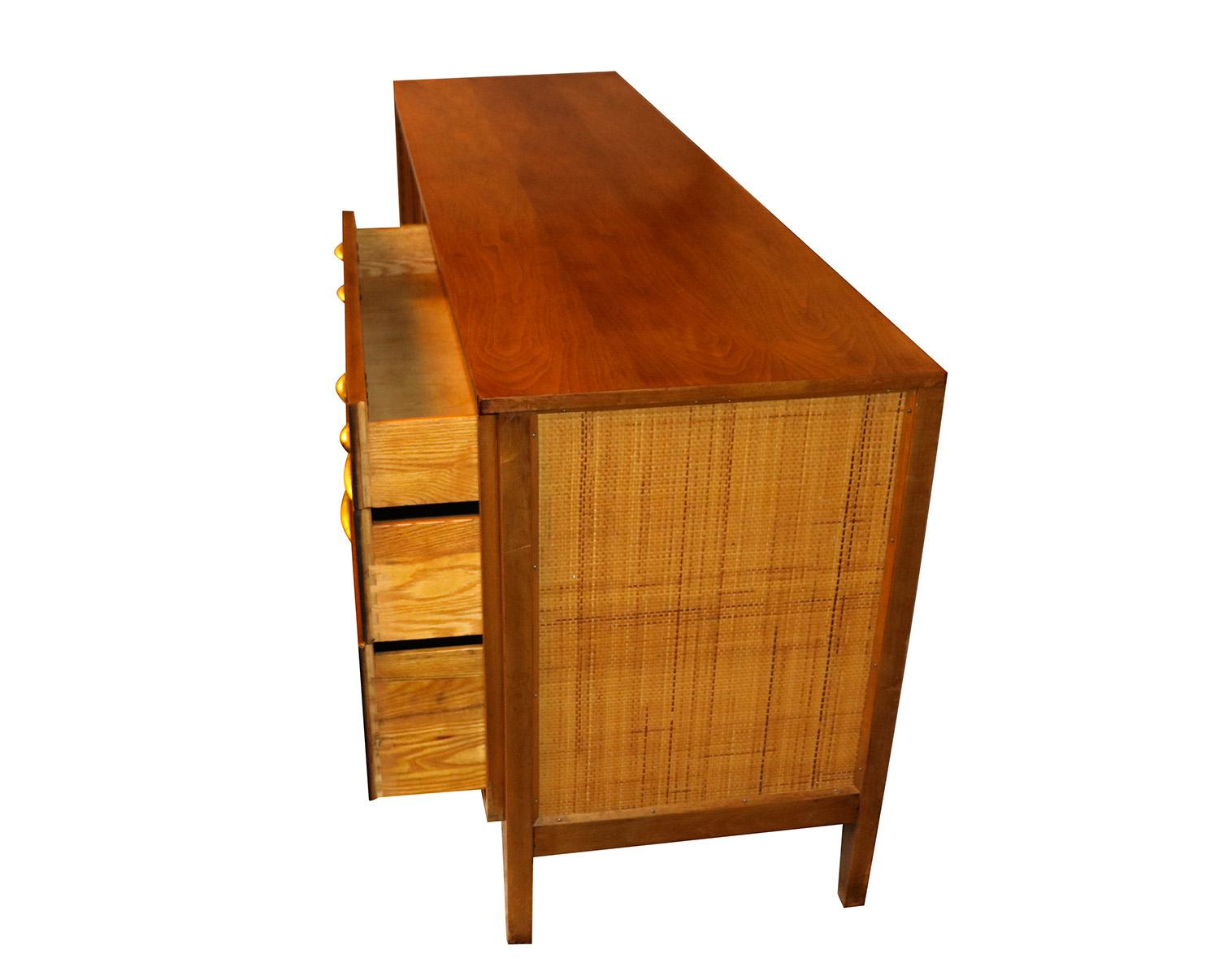 Mid Century Modern Triple Dresser West Michigan Furniture Company   Image 6  Of 9
