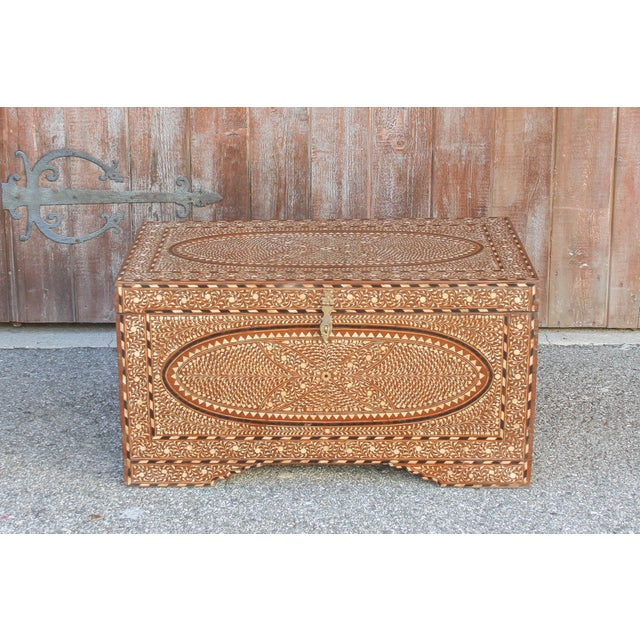 Anglo-Indian Fabulous Large Anglo-Indian Bone Inlay Titalee Trunk For Sale - Image 3 of 13