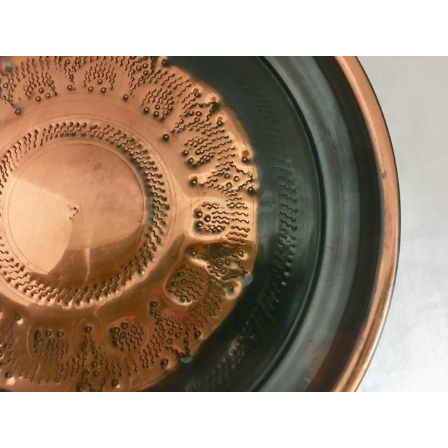 Late 20th Century Copper & Black Round Tray For Sale - Image 5 of 9