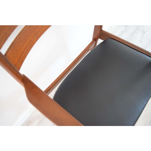 Mid Century Modern Dining Chairs - Set of 4 For Sale - Image 12 of 13